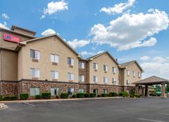 Comfort Suites - Danville - Building