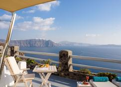 Thirea Suites & Studios - Adults Only - Oia - Balkon