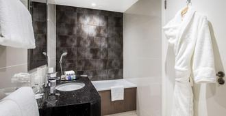 Holiday Inn London - Kensington High St. - London - Phòng tắm