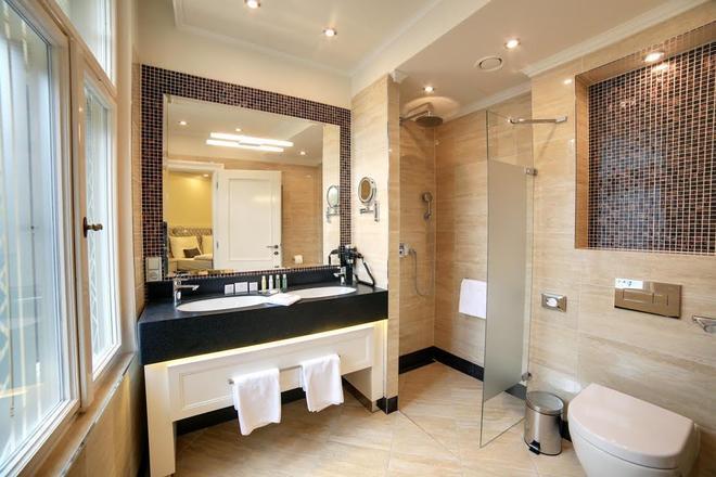 大西洋皇宮豪華水療酒店 - 卡羅維瓦立 - 卡羅維發利 - 浴室