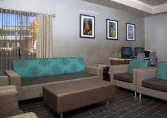 Hampton Inn Grand Junction Downtown/Historic Main Street - Grand Junction - Lounge