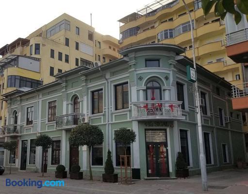 Vila Sigal - Pogradec - Building