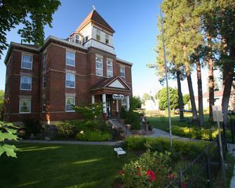 The Roosevelt Inn - Coeur d'Alene - Building