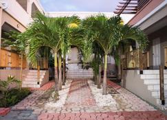 Palm Spring Inn - Oranjestad - Buiten zicht