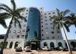 Faro Hotel Taubaté - Taubaté - Edificio