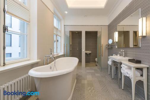 Lydia Hotel - Tartu - Bathroom