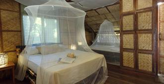 Amami Beach Resort - Puerto Galera - Bedroom