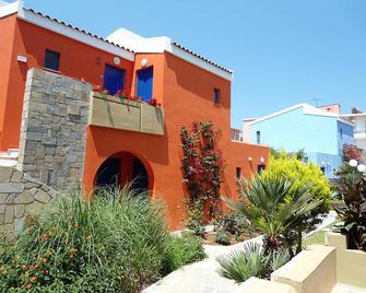 Marina Sands Art Hotel - Agia Marina - Building