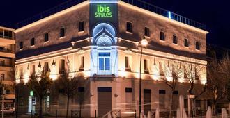 Ibis Styles Hyeres Centre Gare - Hyères