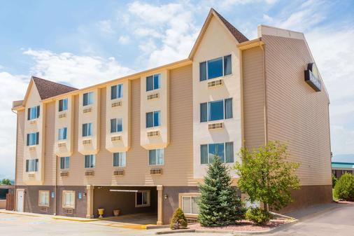 Days Inn by Wyndham Colorado Springs Air Force Academy - Colorado Springs - Building
