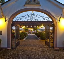 Schloss Reinach