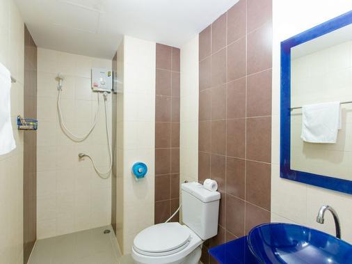 Nirvana Inn Patong - Patong - Bathroom
