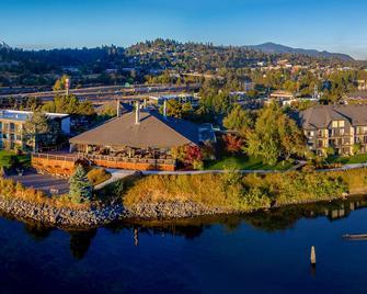 Best Western Plus Hood River Inn - Hood River - Budova