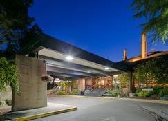 Best Western Plus Hood River Inn - Hood River - Building