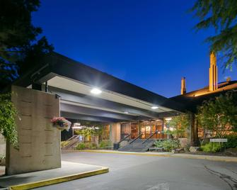 Best Western Plus Hood River Inn - Hood River - Building