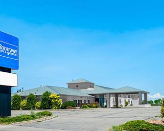 Rodeway Inn & Suites - Blanding - Building