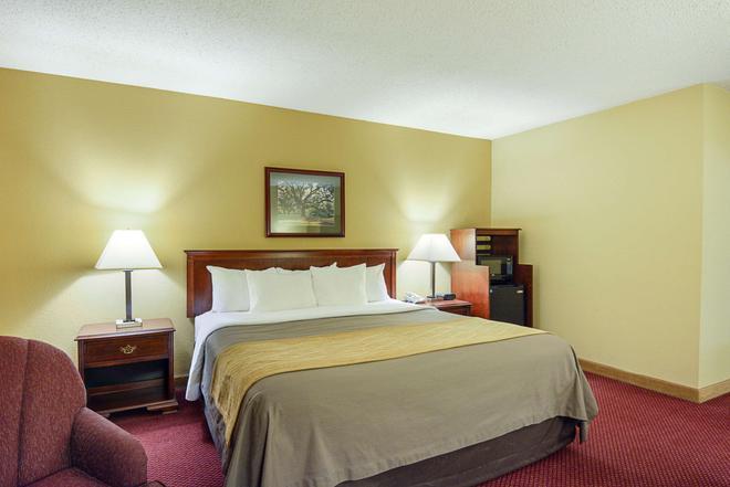 Quality Inn - Winchester - Bedroom