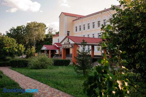 Vershnyk - Cherkassy - Building