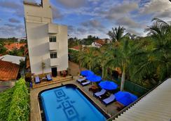 聖盧查套房酒店 - 內岡坡 - 尼甘布 - 游泳池