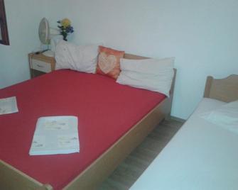 Apartments Alissa - Hvar - Habitación