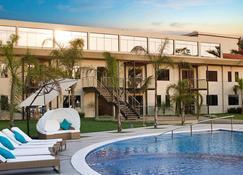 Awa Resort Hotel - Encarnación - Pool