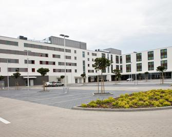 Hotel Premiere Classe Wroclaw Centrum - Wroclaw - Building