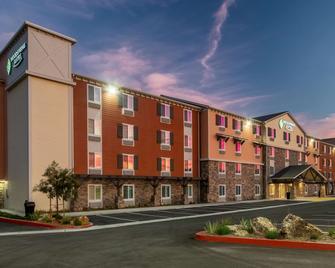 Woodspring Suites Riverside Norco - Norco - Gebäude