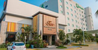 Holiday Inn Acapulco La Isla - אקפולקו