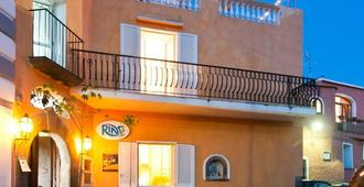 Ring Hostel - Ischia - Building
