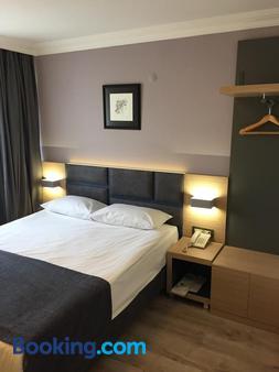 Hotel Helen - Çanakkale - Bedroom