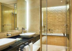 Mercure Hotel Apartments Dubai Barsha Heights - Dubai - Bathroom
