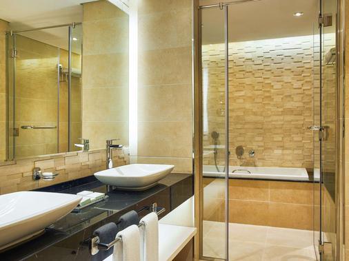 雅薩特加洛麗雅公寓酒店 - 杜拜 - 杜拜 - 浴室