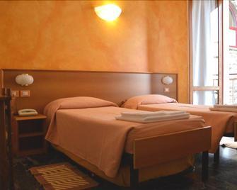 Hotel Corallo - Moneglia - Bedroom