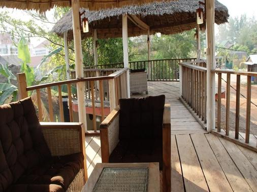 Mary Beach Bungalows - Krong Preah Sihanouk - Balcony