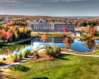 Radisson Kingswood Hotel & Suites - Fredericton - Building