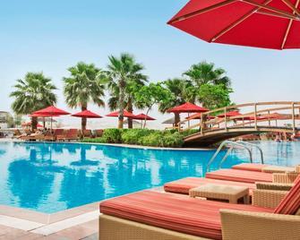خالدية بالاس ريحان من روتانا - أبو ظبي - حوض السباحة