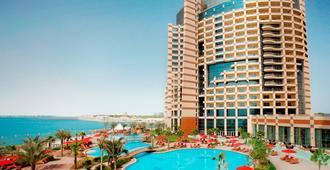 Khalidiya Palace Rayhaan by Rotana - Abu Dhabi - Building