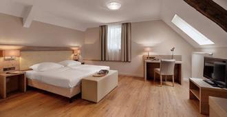 Hotel Doctor Weinstube - ברנקסטל קואס - חדר שינה