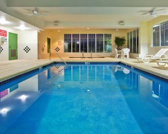 Country Inn & Suites by Radisson, Hiram, GA - Hiram - Zwembad