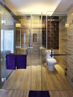 Grand Mega Resort & Spa Bali - Kuta - Bathroom