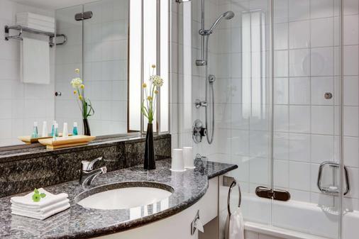 Steigenberger Hotel Hamburg - Hamburg - Bathroom