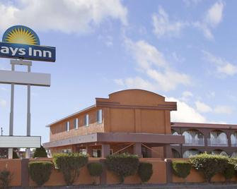 Days Inn by Wyndham Socorro - Socorro - Building