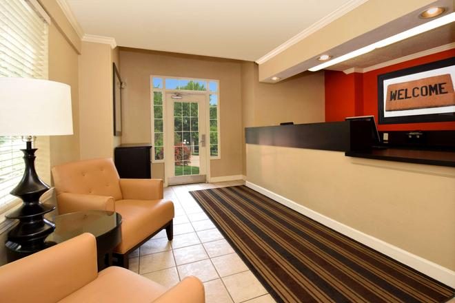 Extended Stay America - Raleigh - Crabtree Valley - Raleigh - Front desk