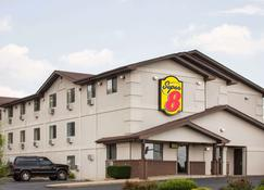 Super 8 by Wyndham Lexington VA - Lexington - Κτίριο