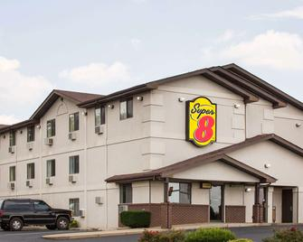 Super 8 by Wyndham Lexington VA - Lexington - Building