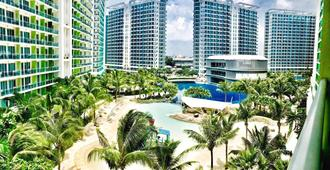 Azure Urban Resort Hostedbyces - Manila - Outdoors view