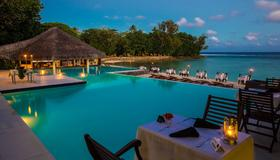 Breakas Beach Resort - Port Vila - Pool