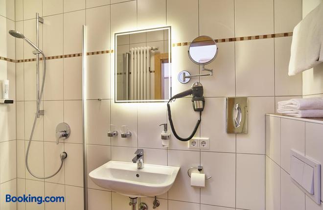 Zum blauen Hecht - Kipfenberg - Bathroom