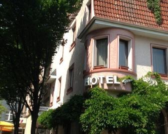 Hotel In der Blume - Heiligenhaus - Gebäude