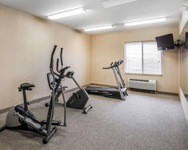 Rodeway Inn & Suites - Salina - Gym